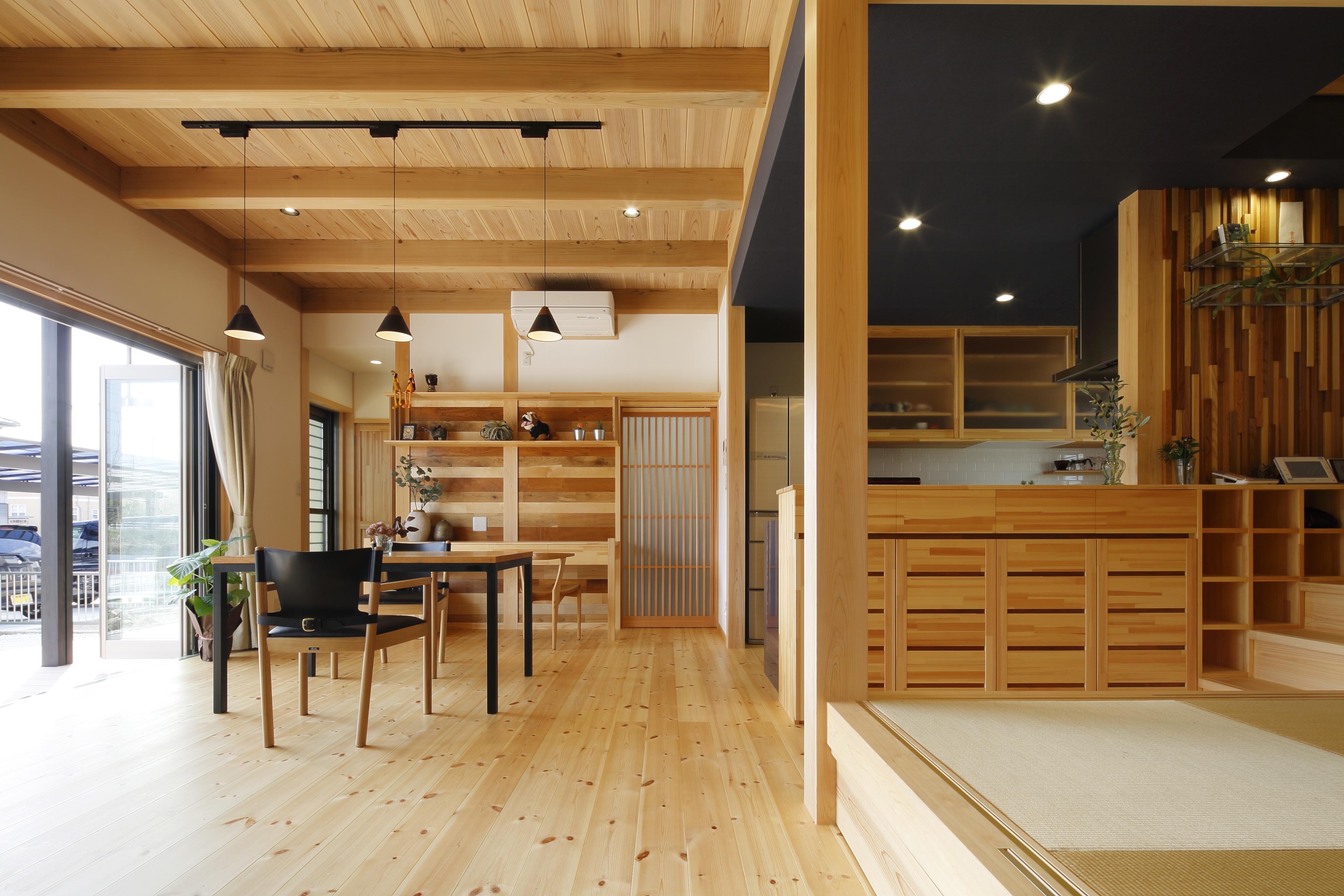 ゼロエネルギー住宅を実現した大工の手仕事が光る家 岐阜県 愛知県の注文住宅 職人とつくる木の家なら株式会社弘栄工務店